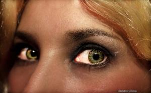Goldilocks--Image by Helmut Schwarzer